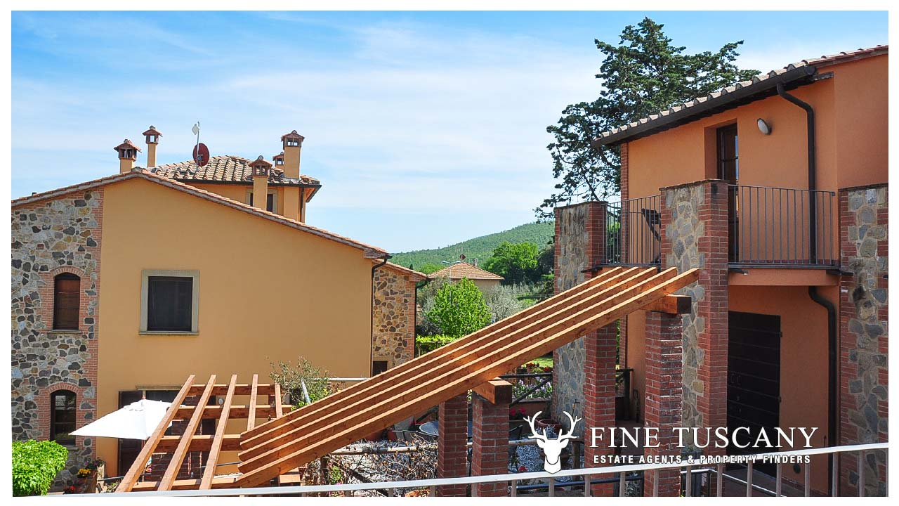 2 Bedroom Apartment for sale in Orciatico, Lajatico | FineTuscany.com