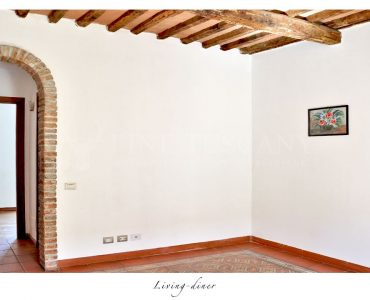Apartment for sale in Carrara Tuscany Italy - Living/diner