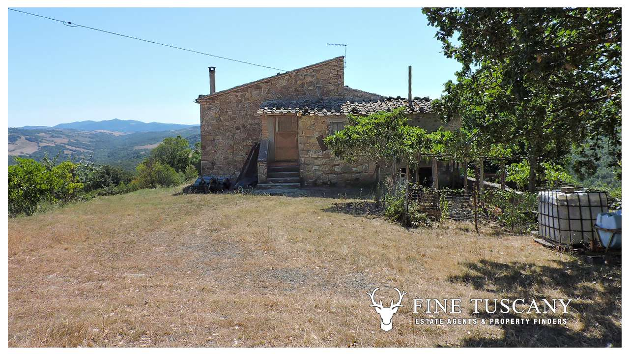 Country House for sale in Pomarance, Tuscany, Italy