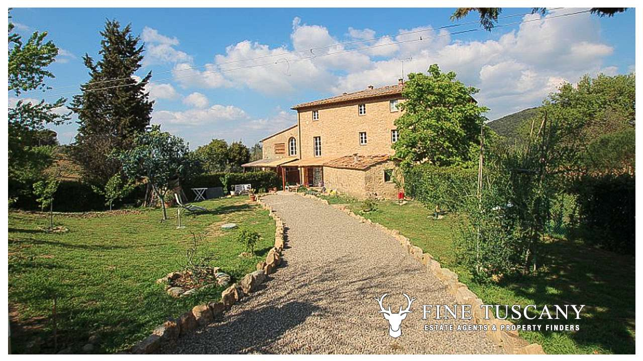 For sale 1 bed apartment in volterra tuscany italy tuscany for Houses in tuscany