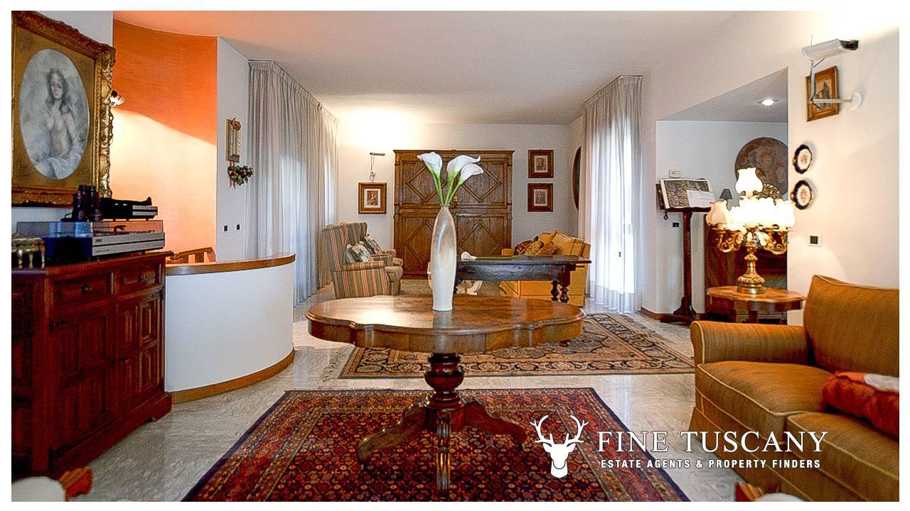 5 bedroom villas
