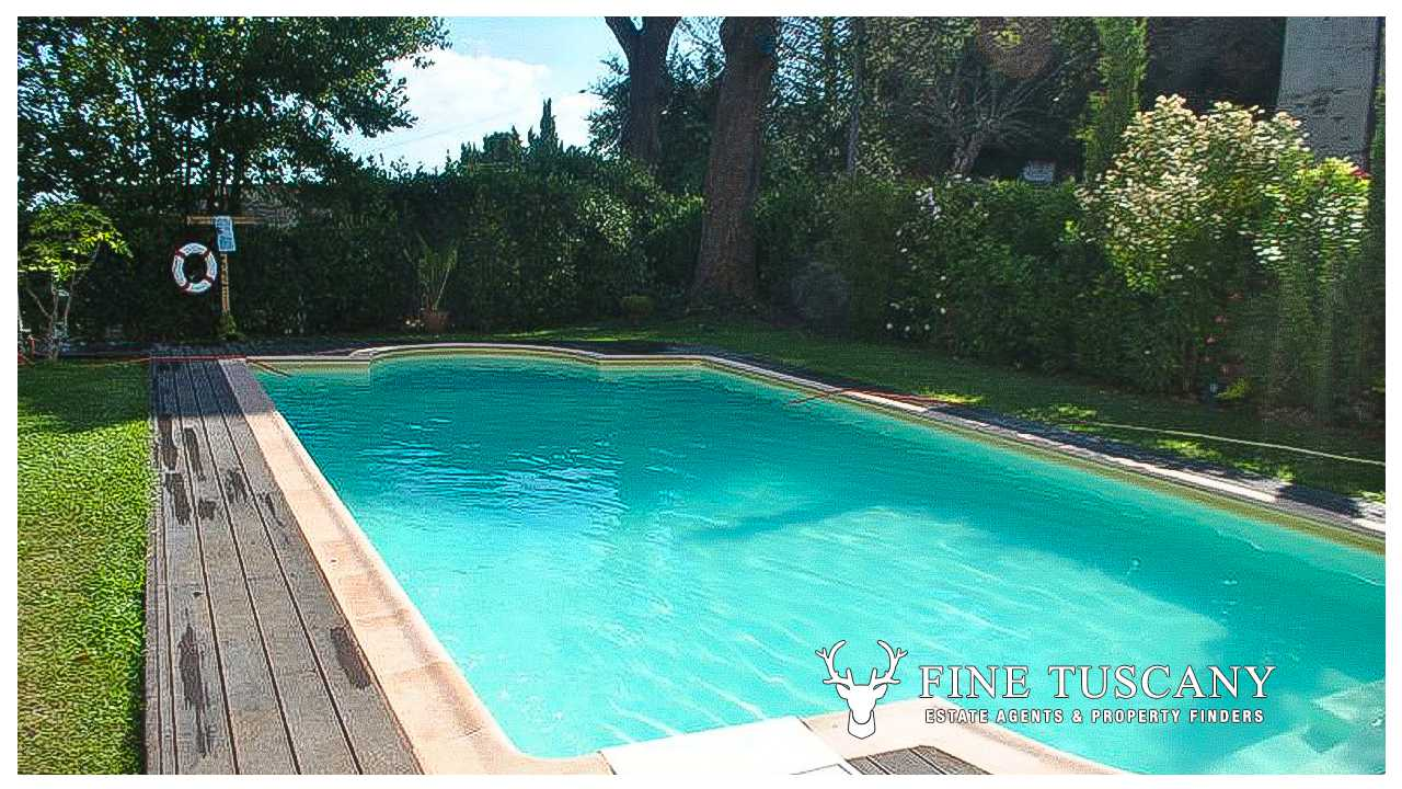 1 bedroom apartment with swimming pool for sale in tuscany for Pool apartments