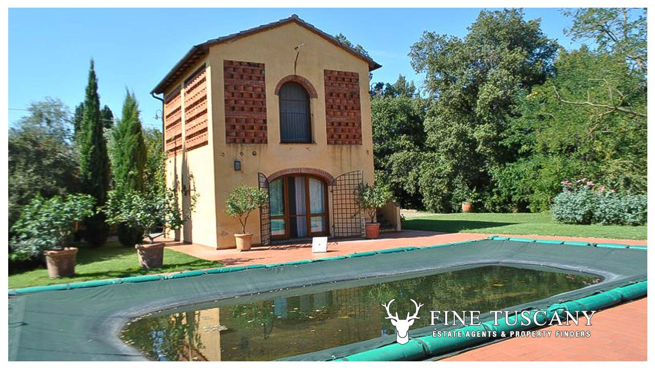 Detached House With Annexe And Swimming Pool For Sale In Tuscany Italy