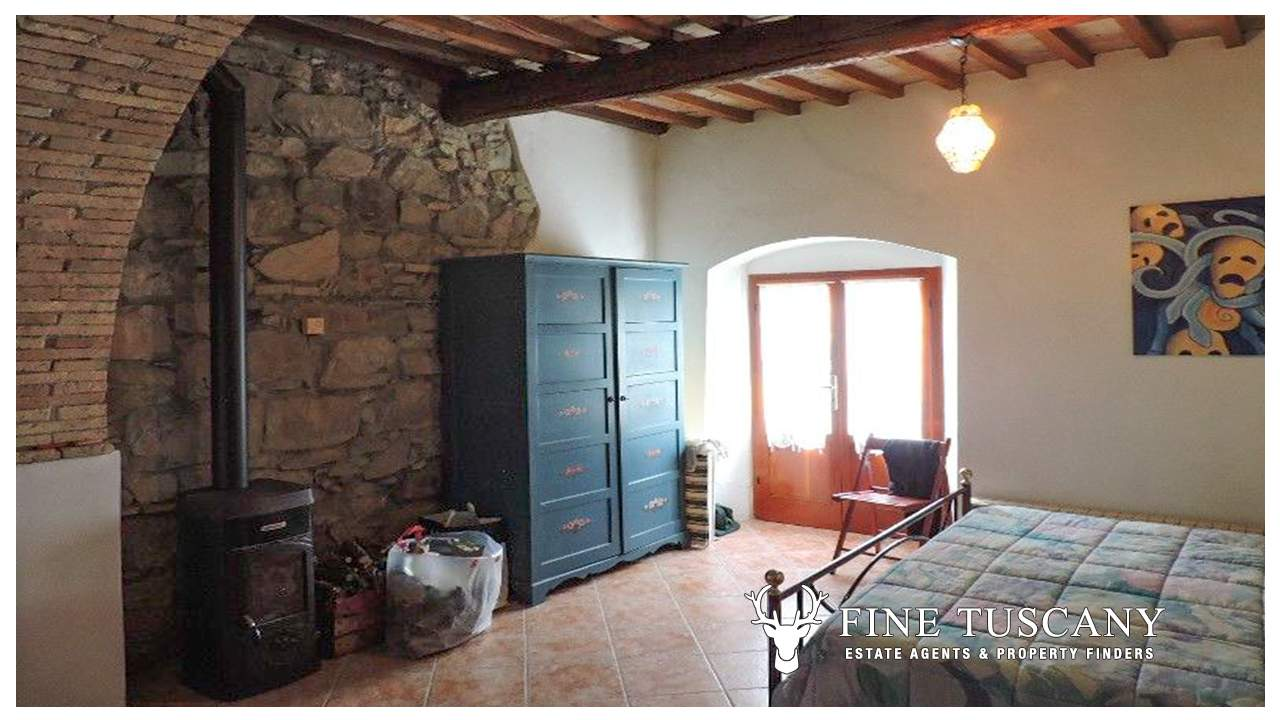 Rustic Studio Apartment For Sale In Tuscany Italy