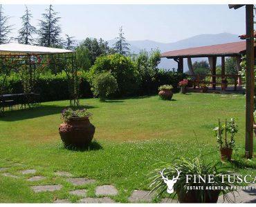 Villa for sale in Bientina, Tuscany, Italy - Back garden 1