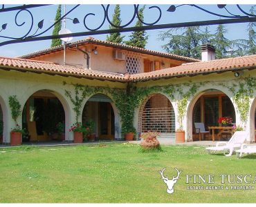 Villa for sale in Bientina, Tuscany, Italy - Back of the house
