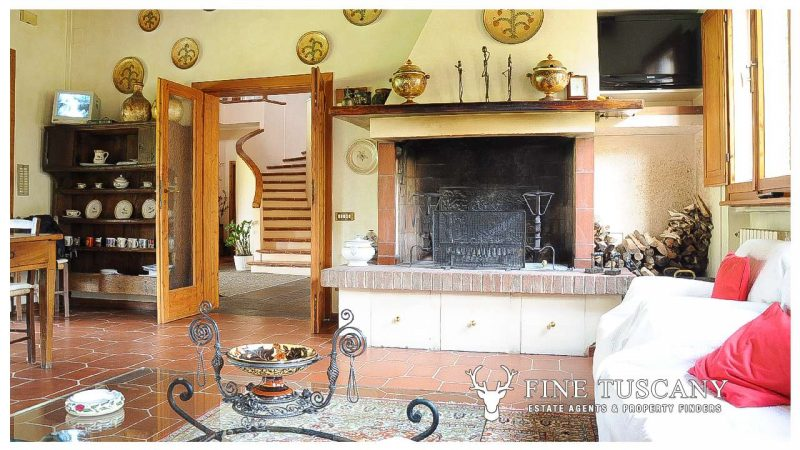 Villa for sale in Bientina, Tuscany, Italy - Fireplace detail