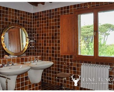 Villa for sale in Bientina, Tuscany, Italy - First floor Shower room 1