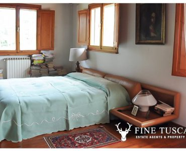 Villa for sale in Bientina, Tuscany, Italy - First floor master bedroom 2