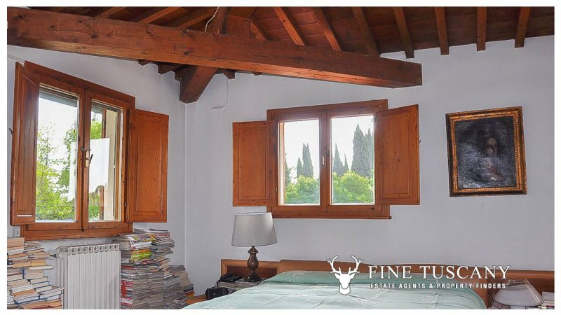 Villa for sale in Bientina, Tuscany, Italy - First floor master bedroom 5