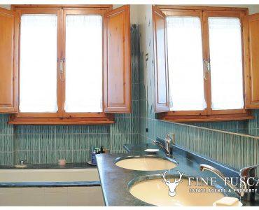 Villa for sale in Bientina, Tuscany, Italy - Ground floor bathroom