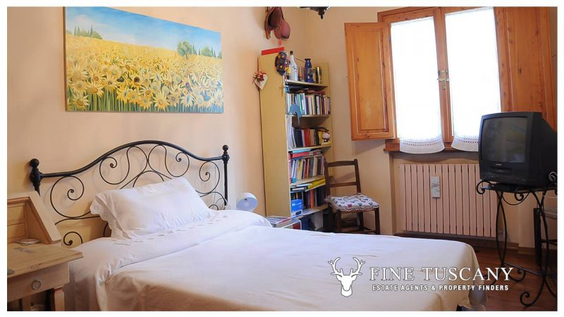 Villa for sale in Bientina, Tuscany, Italy - Ground floor double bedroom