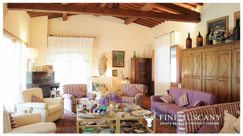 Villa for sale in Bientina, Tuscany, Italy - Living room 2