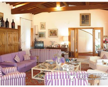Villa for sale in Bientina, Tuscany, Italy - Living room 3