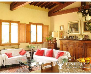 Villa for sale in Bientina, Tuscany, Italy - Living room and diner