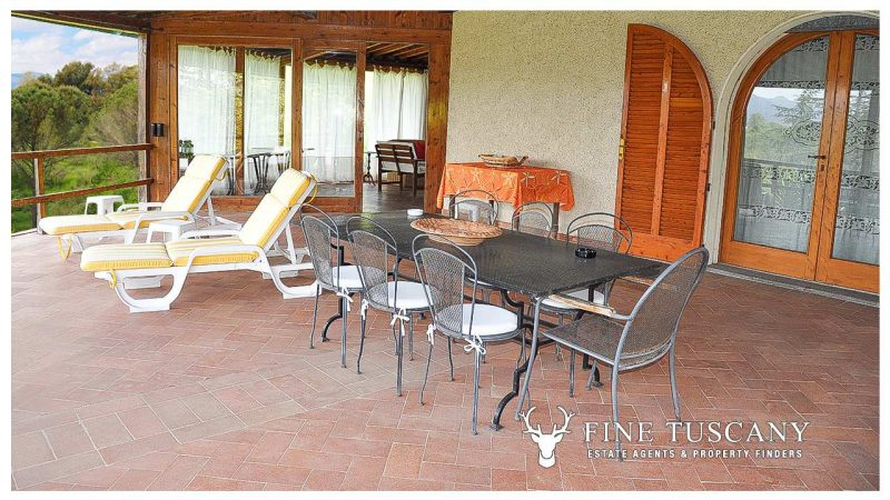 Villa for sale in Bientina, Tuscany, Italy - Terrace 3