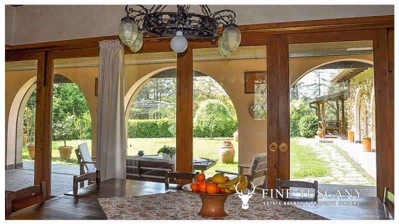 Villa for sale in Bientina, Tuscany, Italy - dining area