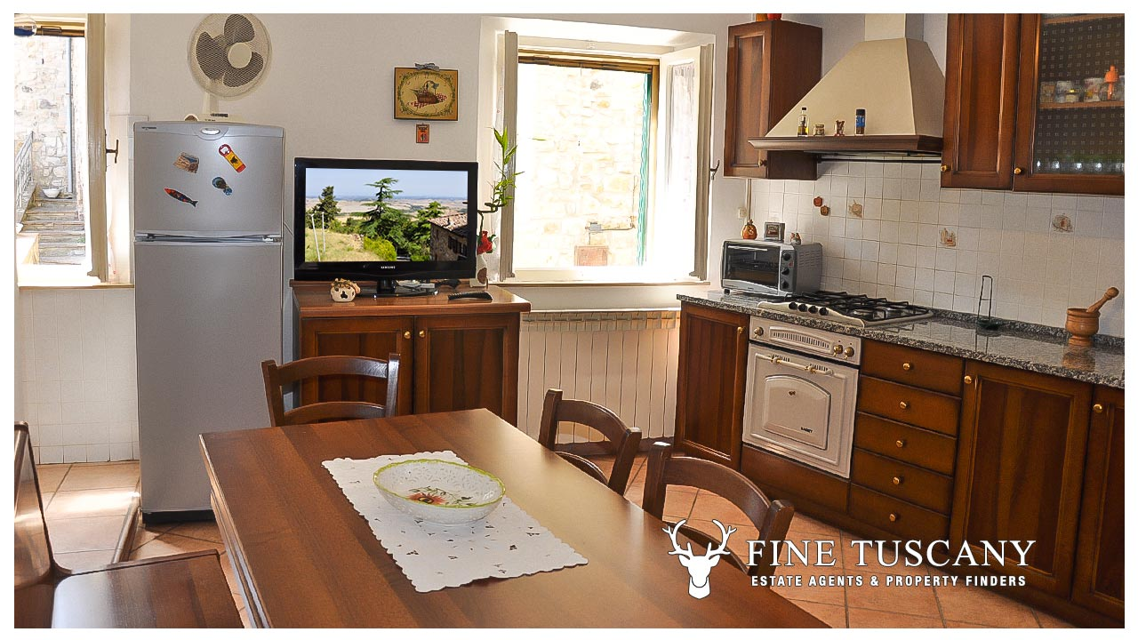 3 Bedroom house for sale in Orciatico Tuscany Italy. 3 Bedroom House for sale in Orciatico  Tuscany  Italy