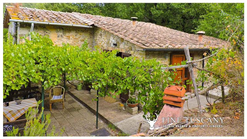 Stone house for sale in Castelnuovo Val di Cecina Tuscany Italy
