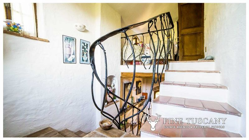 Stone house for sale in Grosseto Tuscany Italy