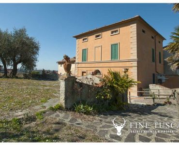 Period villa for sale in Crespina Lorenzana Tuscany Italy
