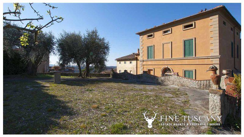 Period villa for sale in Crespina Lorenzana Tuscany Italy