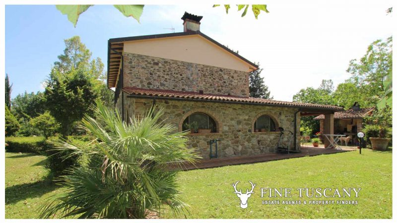 Property with land and outbuilding in Chianni Tuscany