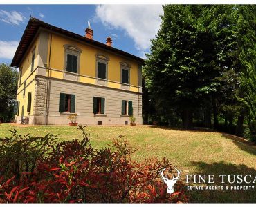 Period Villa with Swimming Pool for sale in Serravalle Pistoiese Pistoia Tuscany