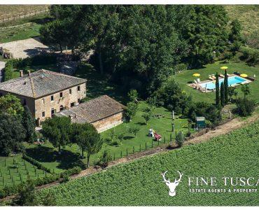 Farmhouse with pool for sale near Siena